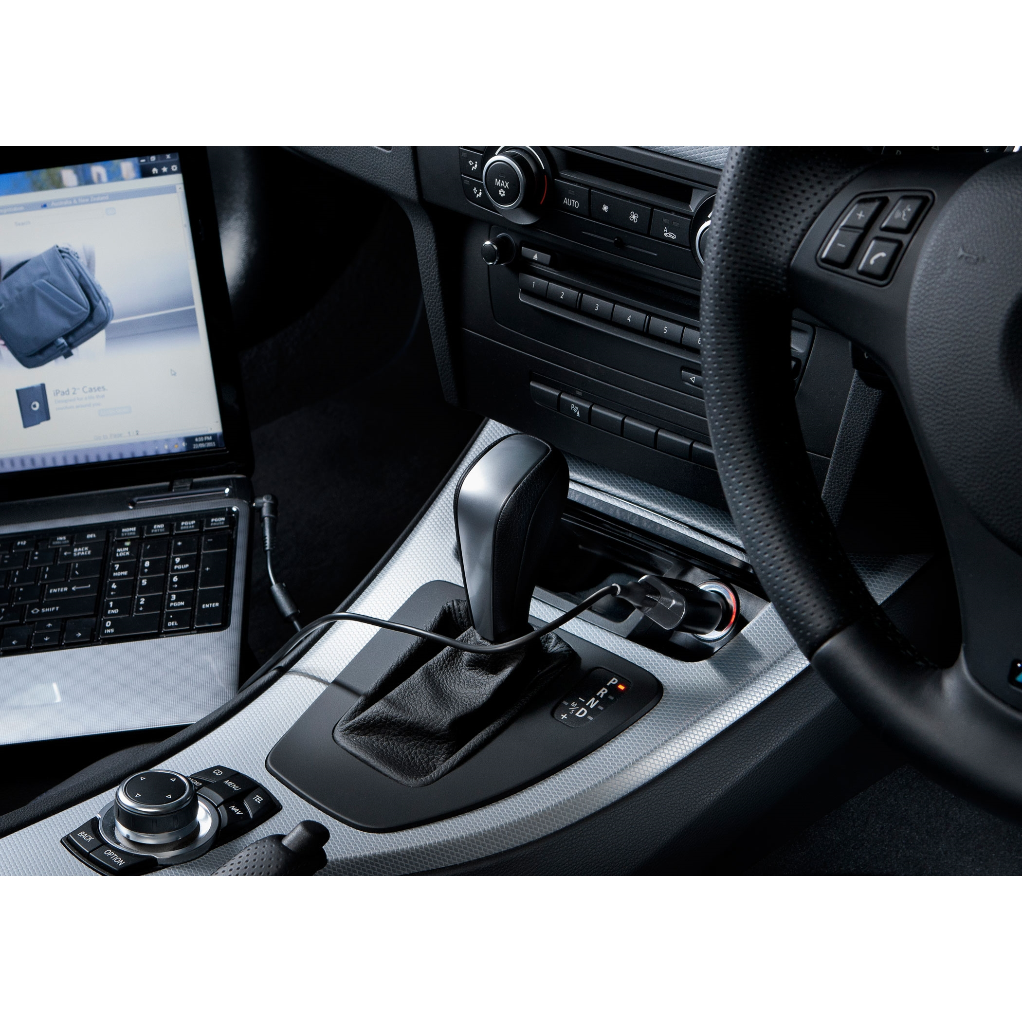 Picture of Targus 90W Laptop Car Charger