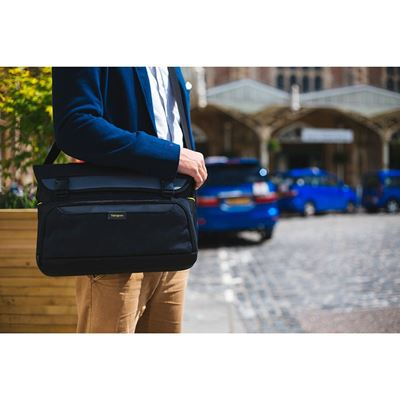 "Picture of City Gear 15-17.3"" Laptop Messenger - Black"