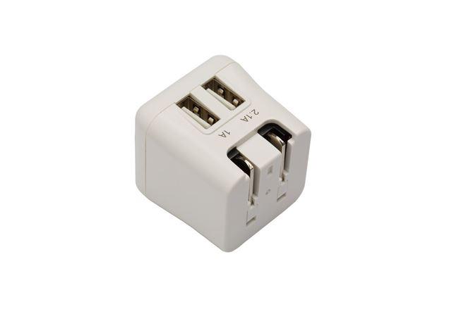 ターガス ワールドパワー ウルトラミニ 15.5W デュ アル USB チャージャー(折りたたみ格納&取替え 式プラグ付き)(白)の画像