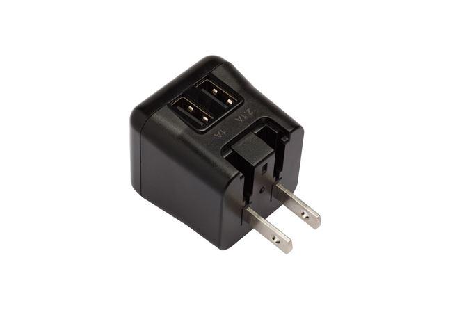 ターガス ワールドパワー ウルトラミニ 15.5W デュ アル USB チャージャー(折りたたみ格納&取替え 式プラグ付き)(ブラック)の画像